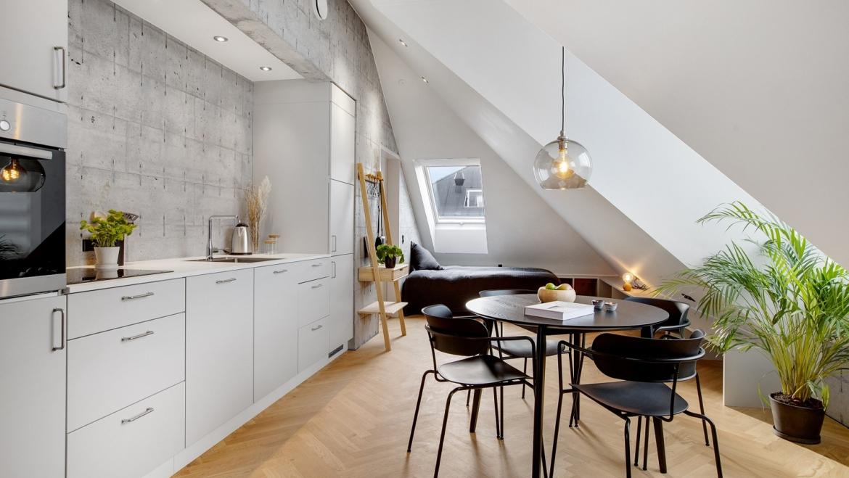 Mylius Erichsensvej 1, 2nd floor right. 1 room